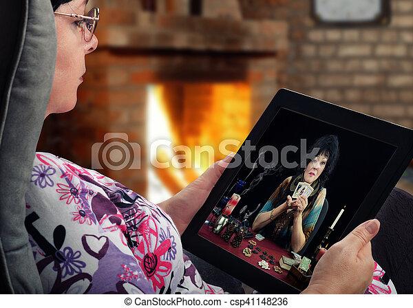 Woman gets online tarot reading