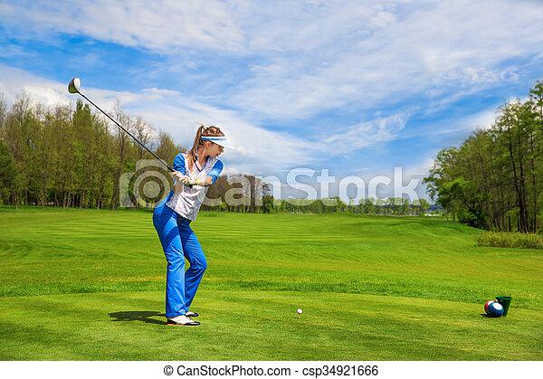 Woman playing golf - csp34921666