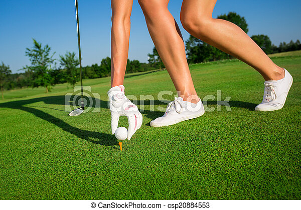 Woman playing golf - csp20884553