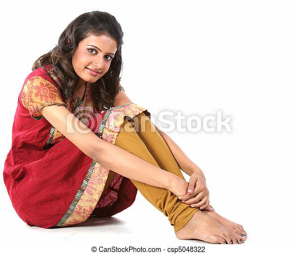 Mature mom spread legs