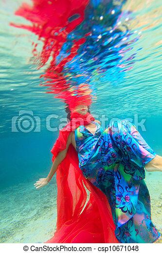 Woman underwater - csp10671048