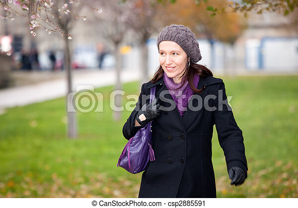woman walking in winter - csp2885591