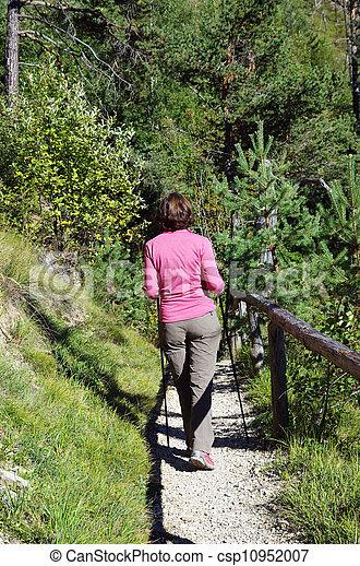 woman, wandert - csp10952007