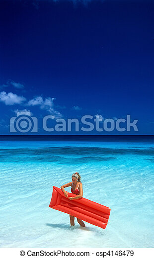 woman with air mattress - csp4146479