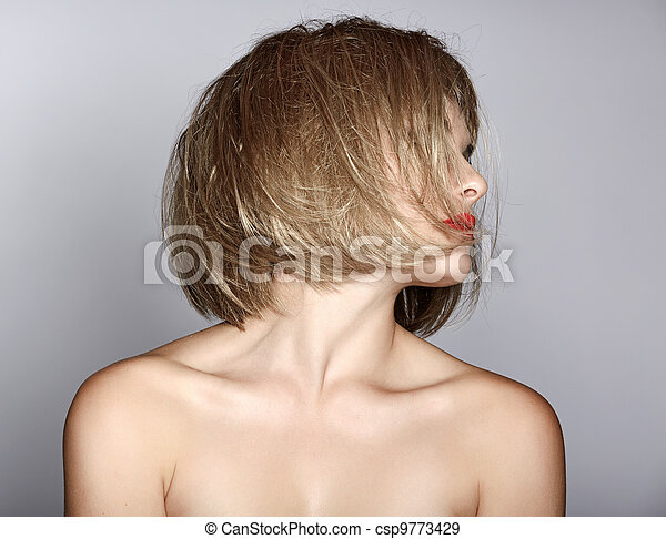 woman with blond bob - csp9773429
