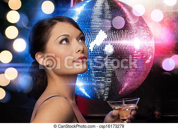 Frau in disco kennenlernen