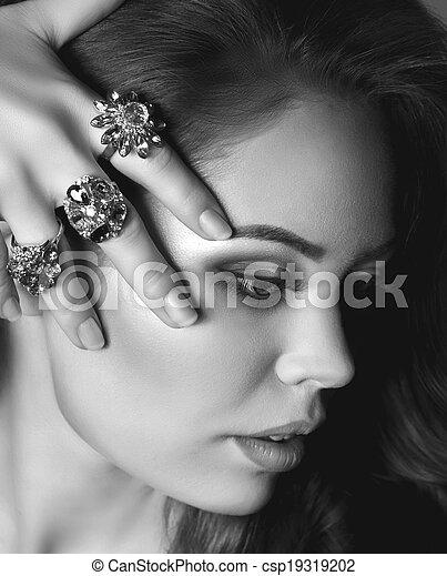 woman with jewelry precious  - csp19319202