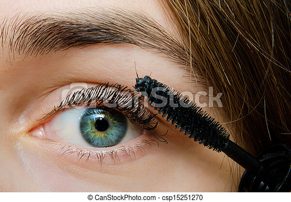 woman with mascara - csp15251270