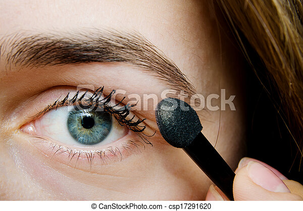 woman with mascara - csp17291620