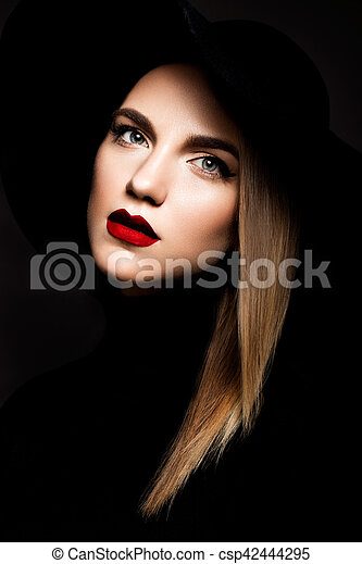 Woman with red lips - csp42444295