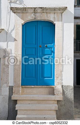 Wooden door. - csp6052332
