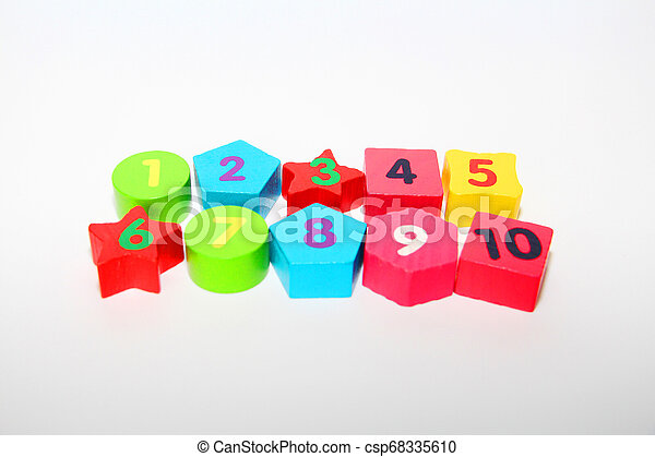 Wooden figures with numbers 1, 2, 3, 4, 5, 6, 7, 8, 9 and 10. Wooden cubes with numbers for children. - csp68335610