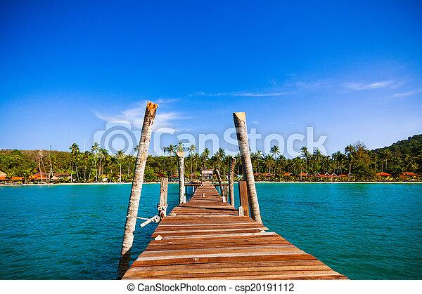 wooden walkway - csp20191112