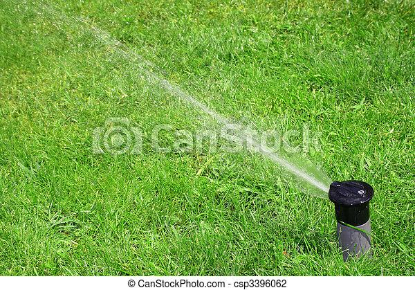 working lawn sprinkler - csp3396062