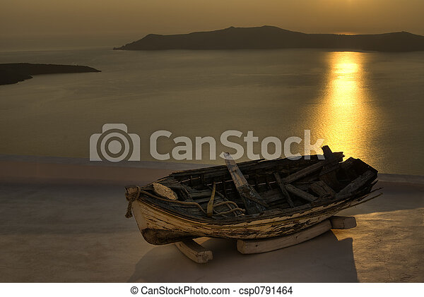 Wreck in sunset - csp0791464