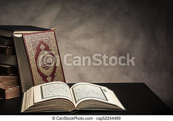 wszystko, święty, ), (, -, koran, pozycja, książka, muslims, stół, wciąż, publiczne życie - csp52244489