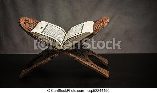 wszystko, święty, ), (, -, koran, pozycja, książka, muslims, stół, wciąż, publiczne życie - csp52244490