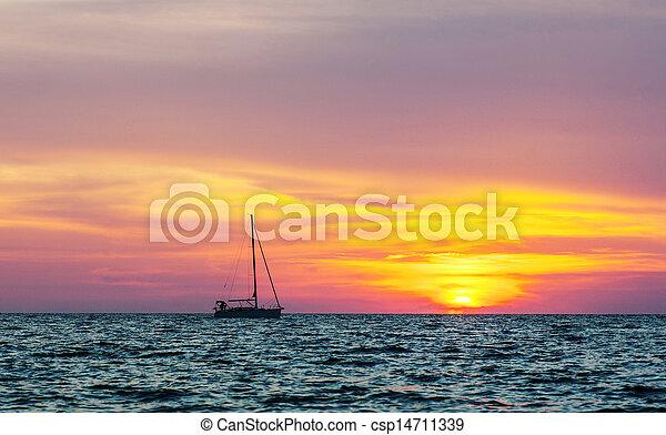 yacht, silhouette, tramonto - csp14711339