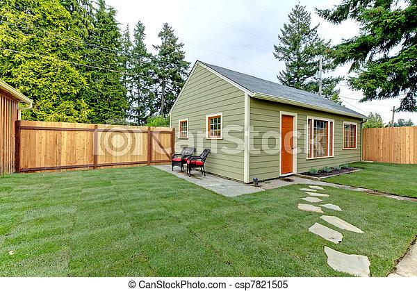 yard., ゲスト, 囲われる, 背中, houe, 緑, 小さい - csp7821505