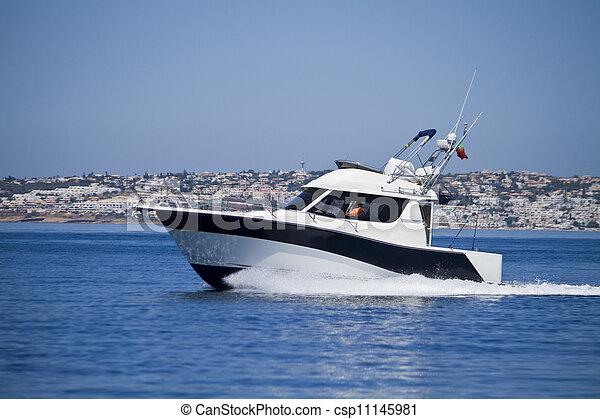 yatch speeding on the water - csp11145981
