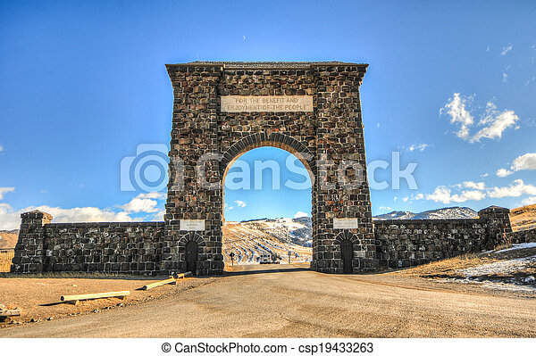 Yellowstone National Park Entrance, Arch - csp19433263