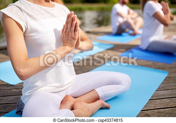 yoga fin gens haut dehors exercices confection