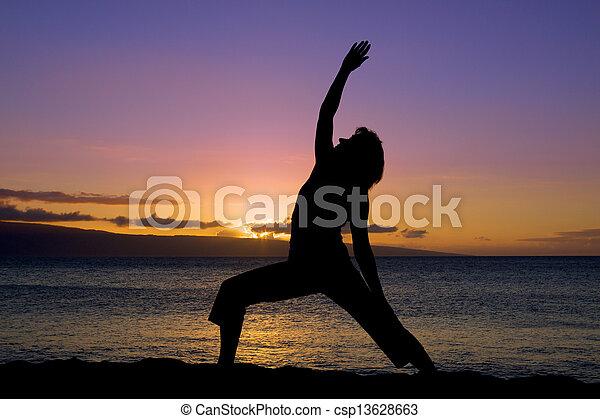 Yoga al atardecer - csp13628663