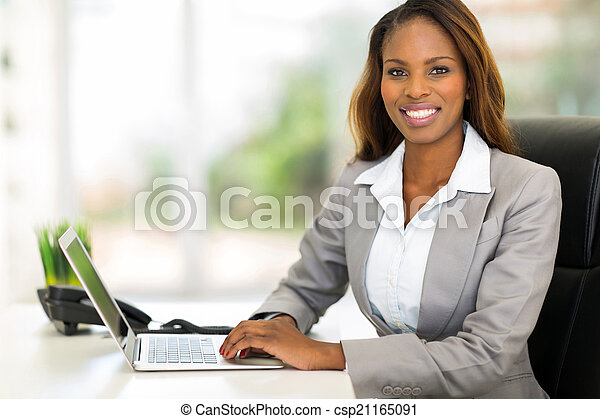young african american businesswoman using computer - csp21165091