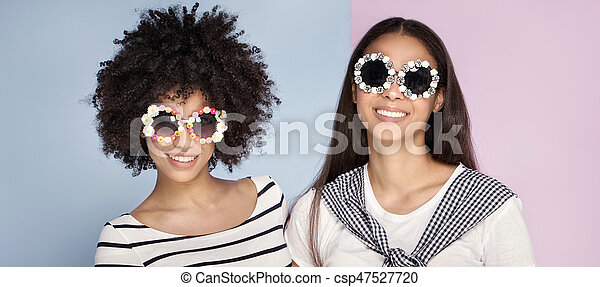 Young african american woman posing. - csp47527720