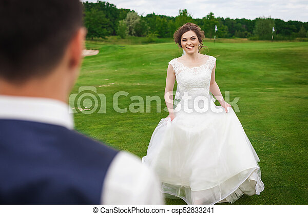 Superb Young Bride Running To Meet Her Groom On A Meadow Download Free Architecture Designs Scobabritishbridgeorg