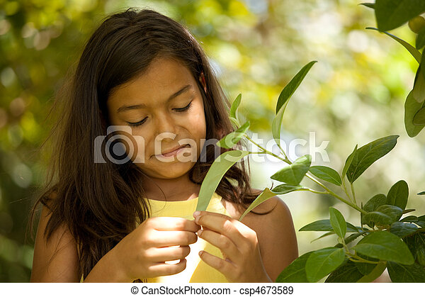 young child enjoying nature - csp4673589