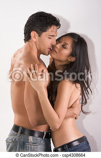 Young couple naked Man and woman in love kissing - csp4308664