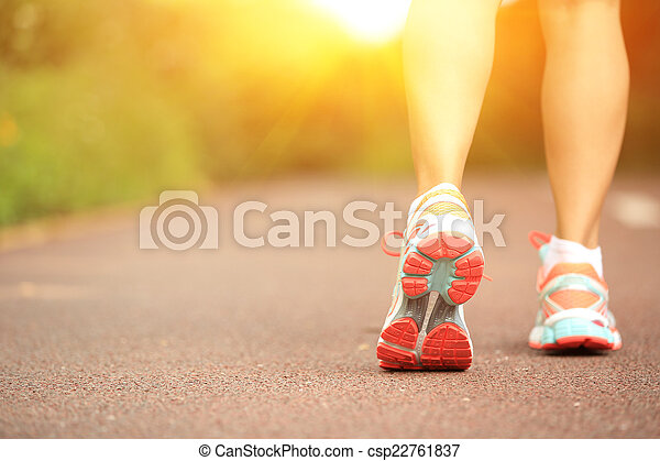 young fitness woman legs on trail - csp22761837