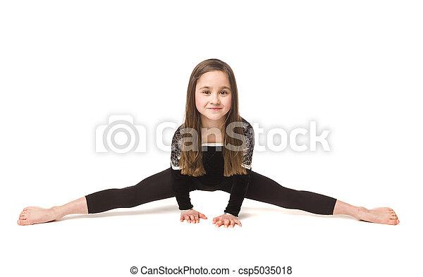 Young girl doing gymnastics - csp5035018