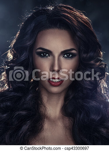Young sexy brunette woman portrait - csp43300697