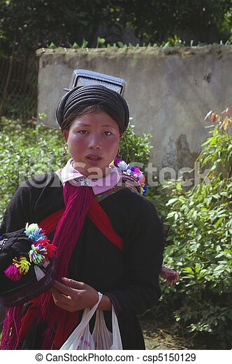 Young woman ethnic black Dao - csp5150129