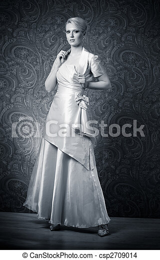 Young woman in dress - csp2709014
