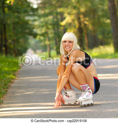 Roller skates and blonde pussy | Adult fotos)