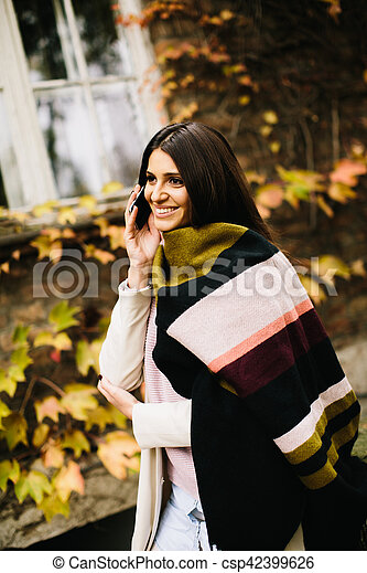 Young woman outdoor - csp42399626