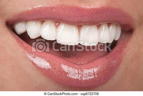 Zähne - csp6723709