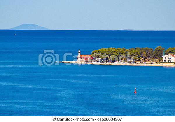 El faro de Puntamika de la vista aérea de Zadar - csp26604367