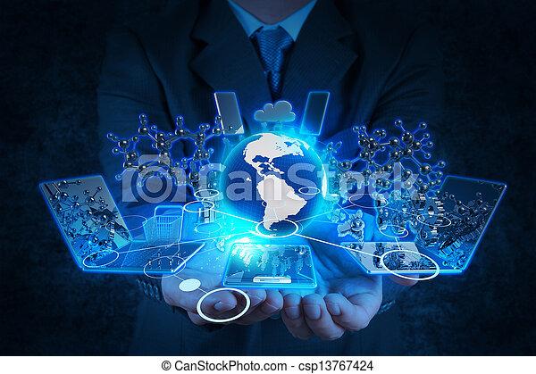 zakenman, moderne technologie, werkende , hand - csp13767424
