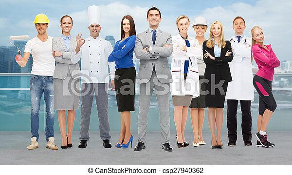 zakenman, op, vrolijke , werkmannen , professioneel - csp27940362