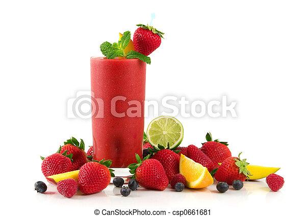 Un batido de fresa - csp0661681
