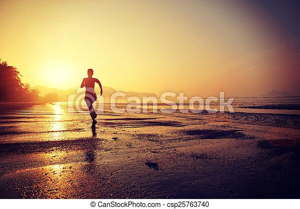 zdrowa kobieta, styl życia, młody - csp25763740