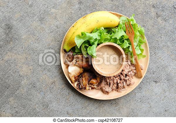 zdrowe jadło, drewno, taca, swojski - csp42108727