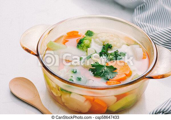 zdrowy, świeża zielenina, sałata, gotowy - csp58647433