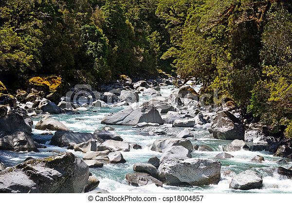 Fiordland, Nueva Zelanda - csp18004857