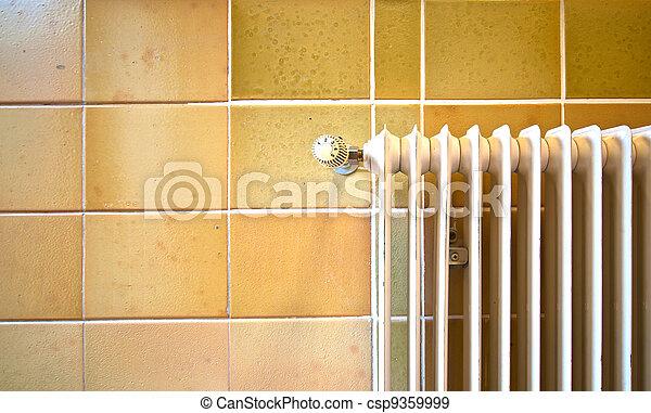 Zentralheizung, heizkörper. Wand, altes , fliesenmuster ...