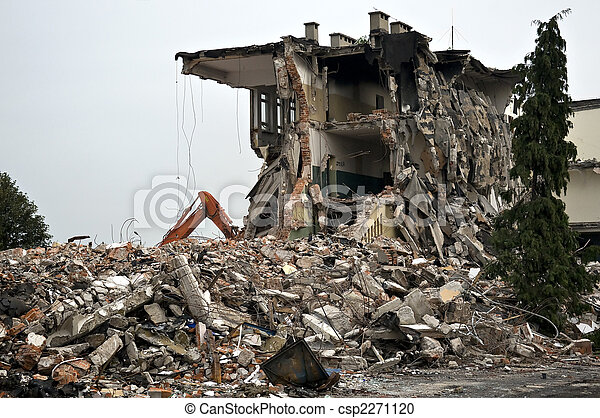 Zerstörtes Gebäude, Trümmer. Serien - csp2271120